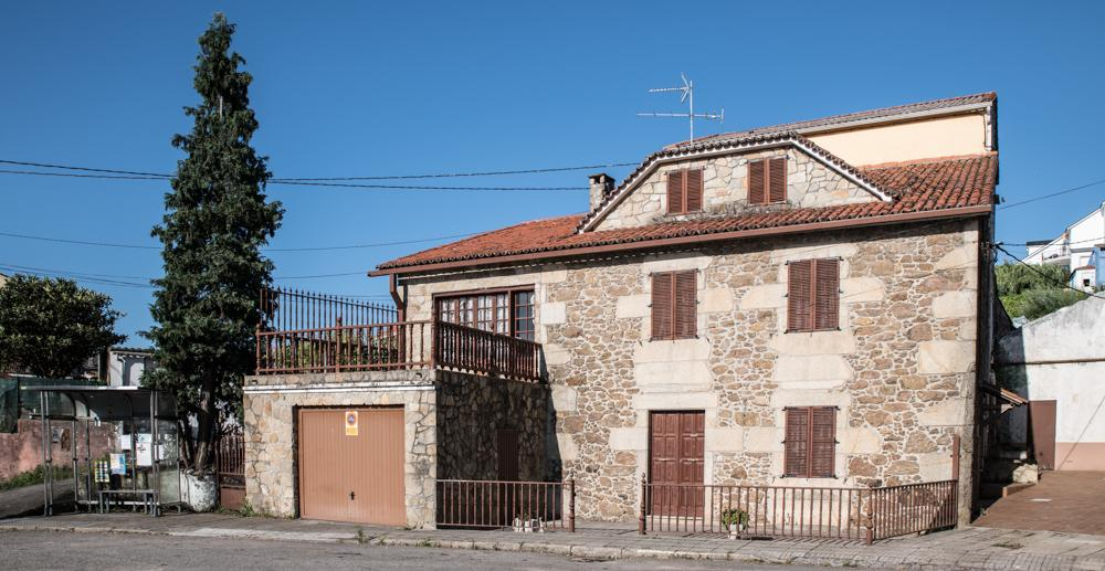 Casa en venta en A Pobra Do Caramiñal, A Coruña, Plaza Pontellón Escarabote, 238.500 €, 4 habitaciones, 1 baño, 330,5 m2