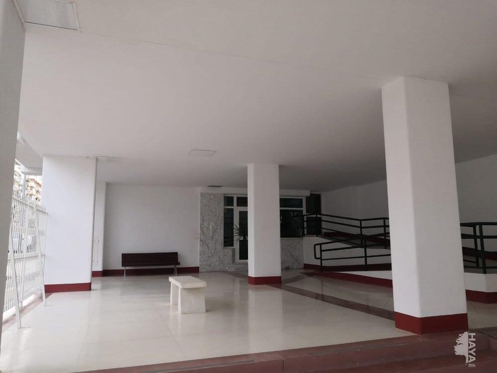 Piso en venta en La Veguillo, Fuengirola, Málaga, Calle Feria de Jerez, 279.500 €, 3 habitaciones, 1 baño, 151 m2