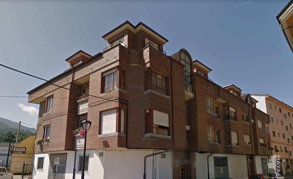 Piso en venta en Nava, Asturias, Calle Enrique Miguel Reyero, 77.342 €, 3 habitaciones, 2 baños, 101 m2