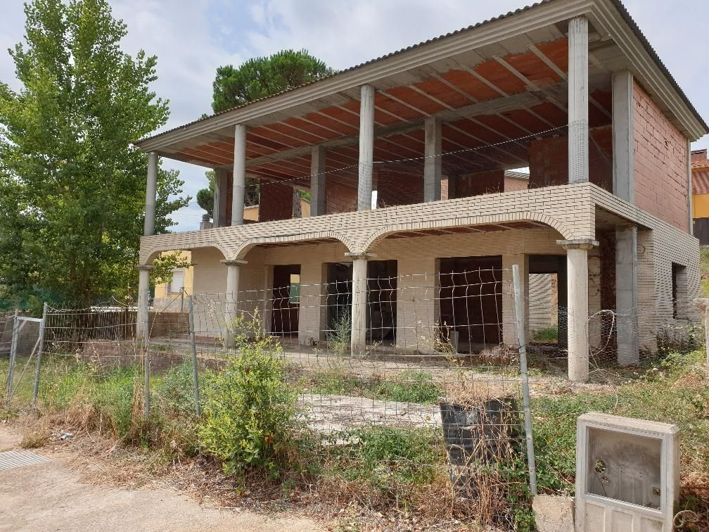 Casa en venta en Can Vives de Baix, Vidreres, Girona, Calle Saturn, 99.500 €, 243 m2