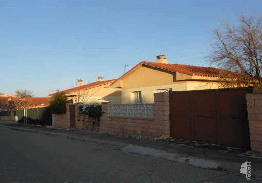 Casa en venta en Urbanización Montejaral, Loranca de Tajuña, Guadalajara, Calle Encinar (del), 64.600 €, 3 habitaciones, 2 baños, 48 m2