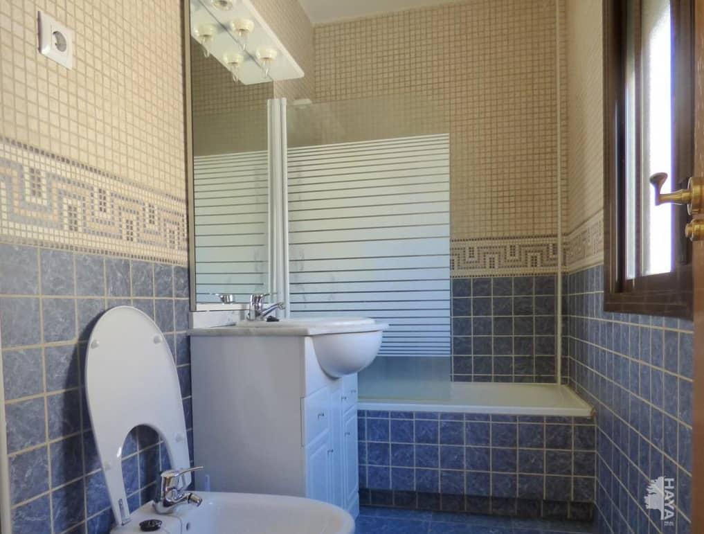 Casa en venta en La Adrada, Ávila, Calle Machacalinos, 122.000 €, 4 habitaciones, 3 baños, 168 m2