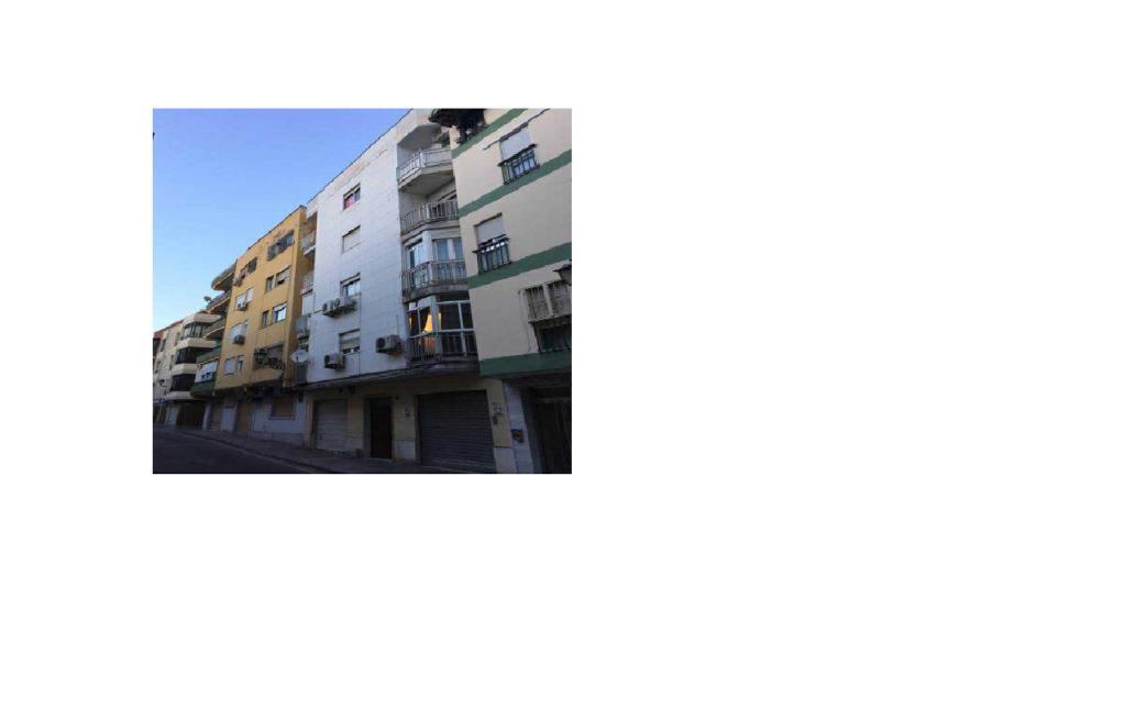 Piso en venta en Almedina, Almería, Almería, Calle Reina (de La), 47.300 €, 2 habitaciones, 1 baño, 68 m2