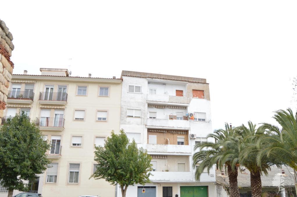 Piso en venta en Mérida, Badajoz, Calle Vicente Navarro del Castillo, 38.650 €, 3 habitaciones, 2 baños, 89 m2