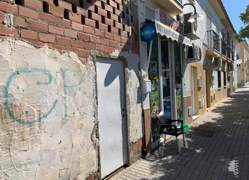 Local en venta en La Carlota, Córdoba, Avenida Campo de Futbol, 81.900 €, 238 m2