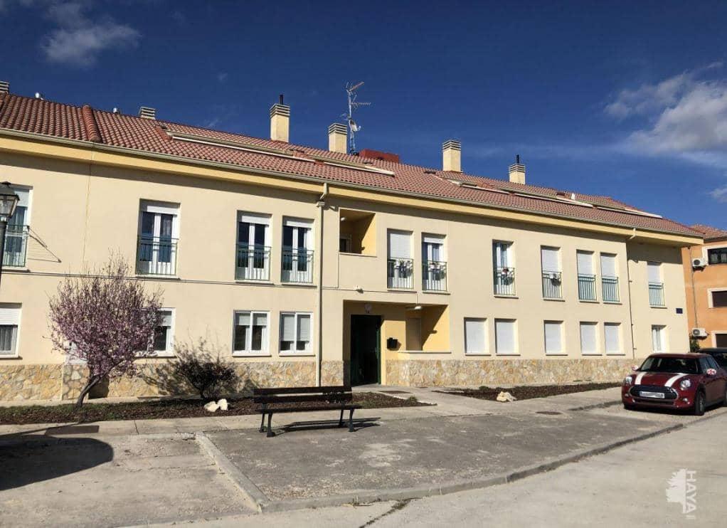 Piso en venta en La Lastrilla, Bernuy de Porreros, Segovia, Calle Carrera Valseca, 53.500 €, 1 habitación, 1 baño, 58 m2