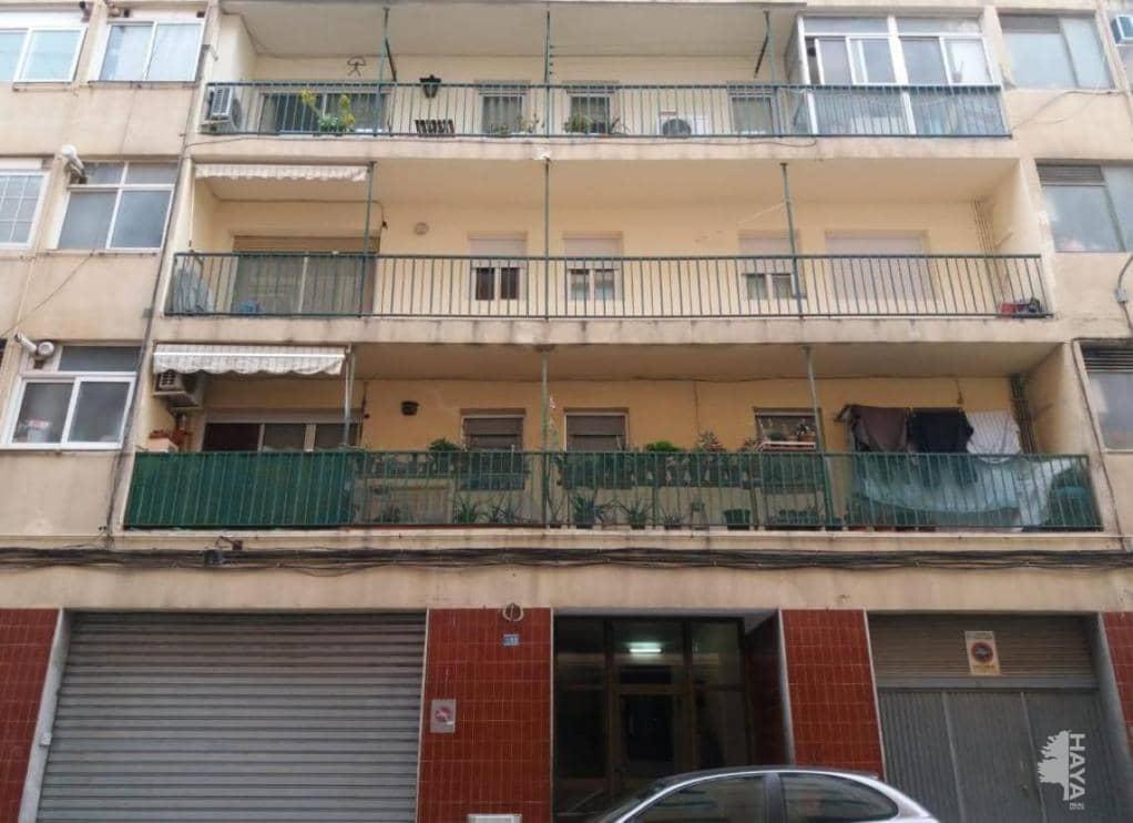 Piso en venta en Can Vila-seca, Santa Margarida de Montbui, Barcelona, Calle Sant Miquel, 61.900 €, 4 habitaciones, 1 baño, 68 m2