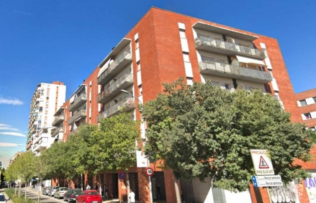 Piso en venta en Salt, Girona, Calle President Francesc Macia, 110.000 €, 3 habitaciones, 2 baños, 77 m2
