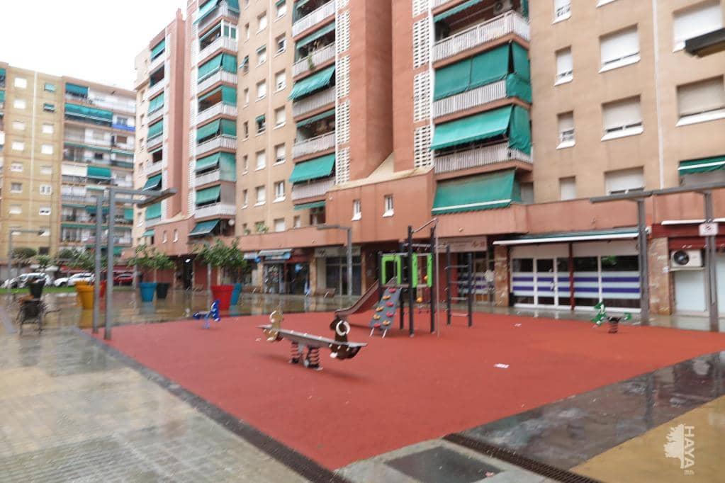 Piso en venta en La Llagosta, Barcelona, Plaza Pere Iv, 170.700 €, 4 habitaciones, 1 baño, 99 m2