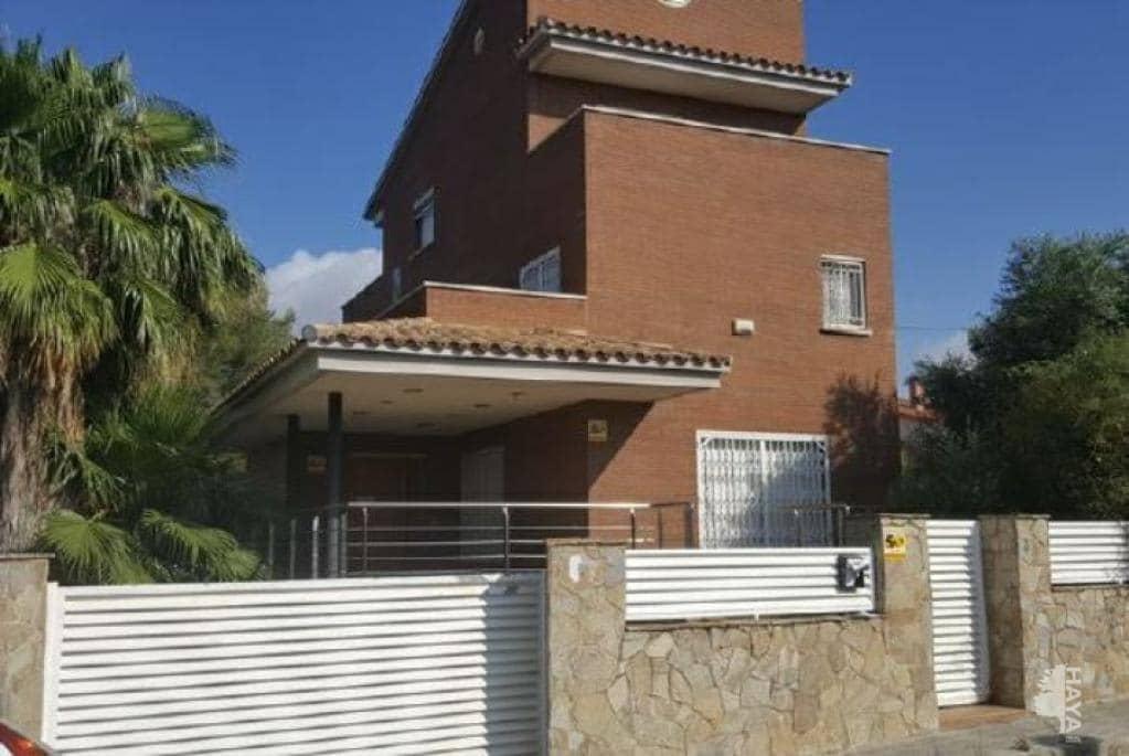 Casa en venta en Cal Daniel de la Masia, El Vendrell, Tarragona, Calle Ramon Marti Alsina, 331.400 €, 5 habitaciones, 2 baños, 344 m2