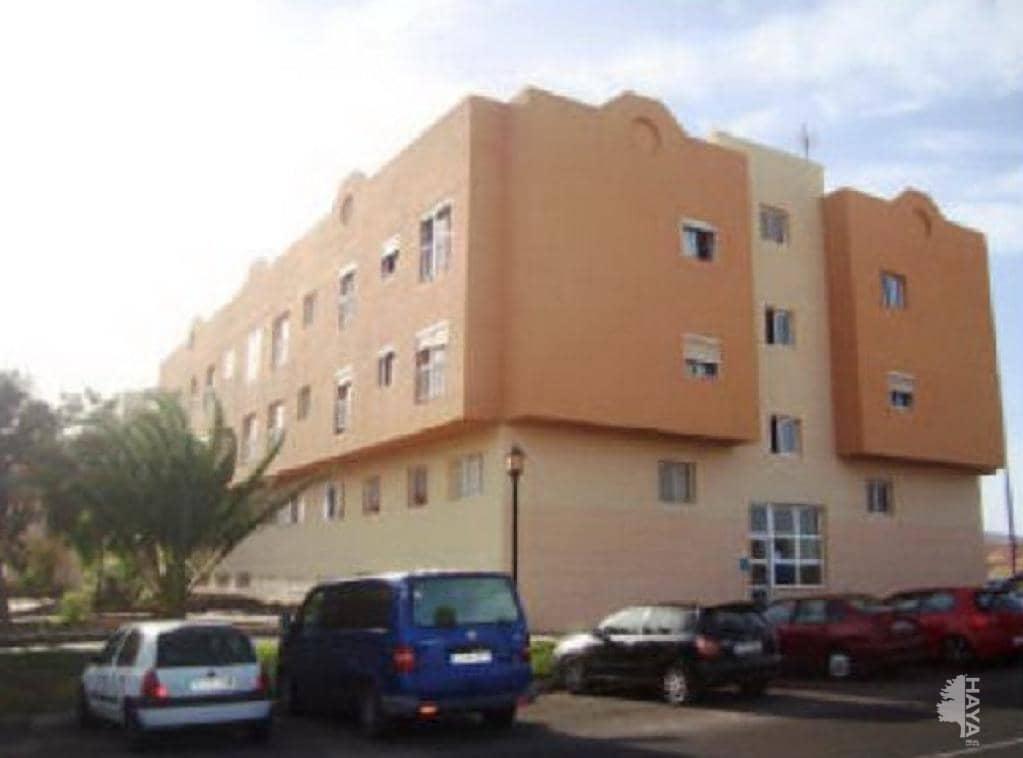 Piso en venta en Las Salinas, Puerto del Rosario, Las Palmas, Calle Alfonso Xiii, 59.000 €, 2 habitaciones, 1 baño, 70 m2