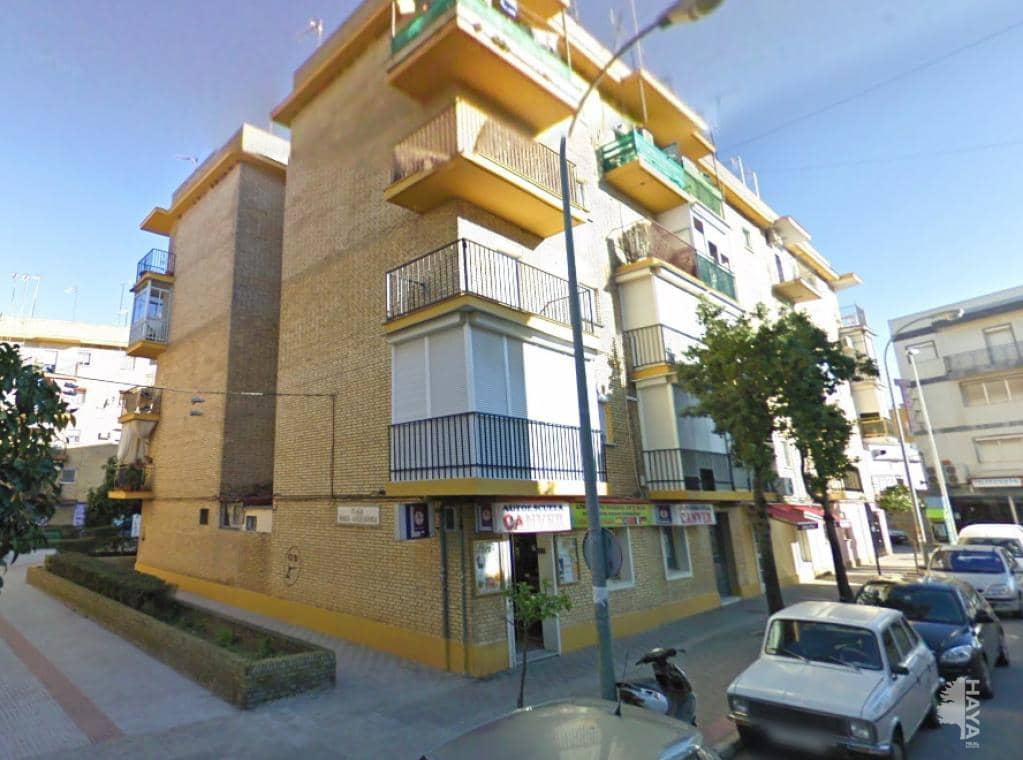 Piso en venta en Barriada Juan de la Cosa, Dos Hermanas, Sevilla, Calle Virgen de los Reyes, 68.300 €, 3 habitaciones, 1 baño, 64 m2