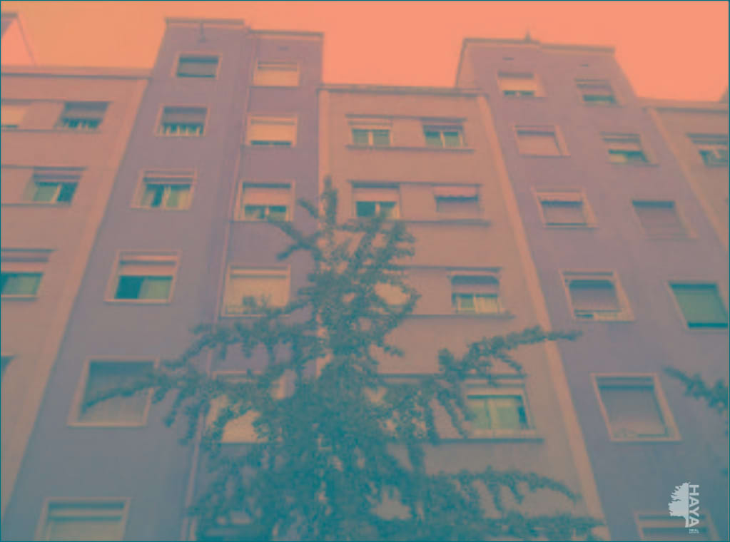 Piso en venta en Les Corts, Barcelona, Barcelona, Calle Comandant Benitez, 327.100 €, 4 habitaciones, 1 baño, 74 m2