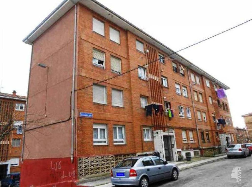 Piso en venta en Marqués de Valdecilla, Santa María de Cayón, Cantabria, Calle Francisco Iturrino, 86.000 €, 3 habitaciones, 1 baño, 73 m2