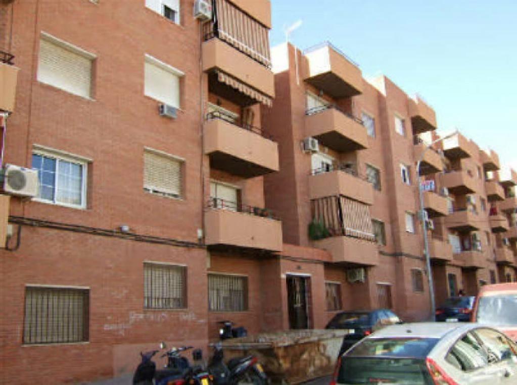 Piso en venta en Almedina, Almería, Almería, Avenida Largo Caballero, 70.200 €, 4 habitaciones, 2 baños, 90 m2