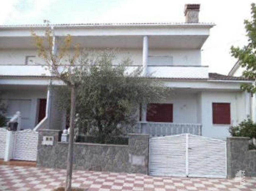 Casa en venta en Palau-solità I Plegamans, Palau-solità I Plegamans, Barcelona, Calle Industria (de La), 350.400 €, 4 habitaciones, 2 baños, 268 m2