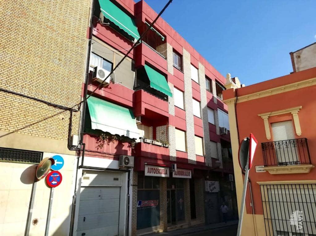 Piso en venta en Almendralejo, Badajoz, Calle Julian Garcia Hernandez, 82.000 €, 4 habitaciones, 1 baño, 118 m2