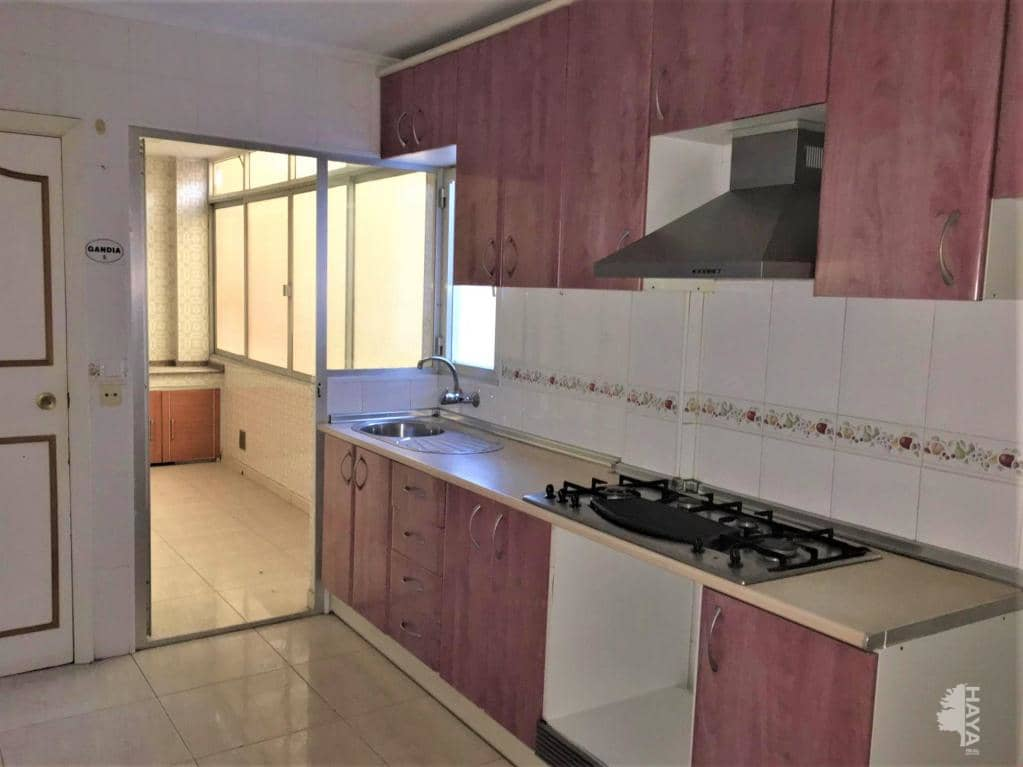Piso en venta en Gandia, Valencia, Avenida Republica Argentina, 60.100 €, 4 habitaciones, 1 baño, 142 m2