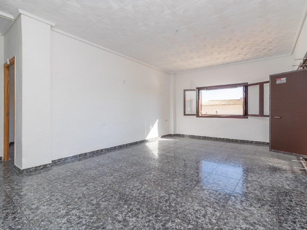 Piso en venta en Santa Pola, Alicante, Avenida Oscar Espla, 174.000 €, 3 habitaciones, 1 baño, 119 m2