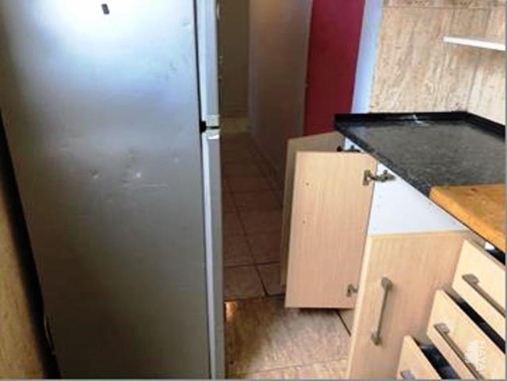 Piso en venta en Tiana-pont Vell, Ripollet, Barcelona, Calle Ntra. Sra. del Pilar, 69.800 €, 3 habitaciones, 1 baño, 59 m2