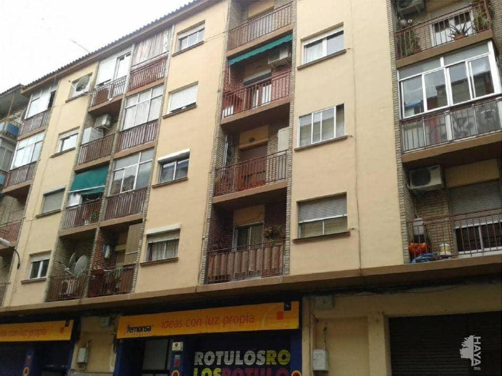 Piso en venta en La Almozara, Zaragoza, Zaragoza, Calle Reina Felicia, 56.200 €, 2 habitaciones, 1 baño, 68 m2