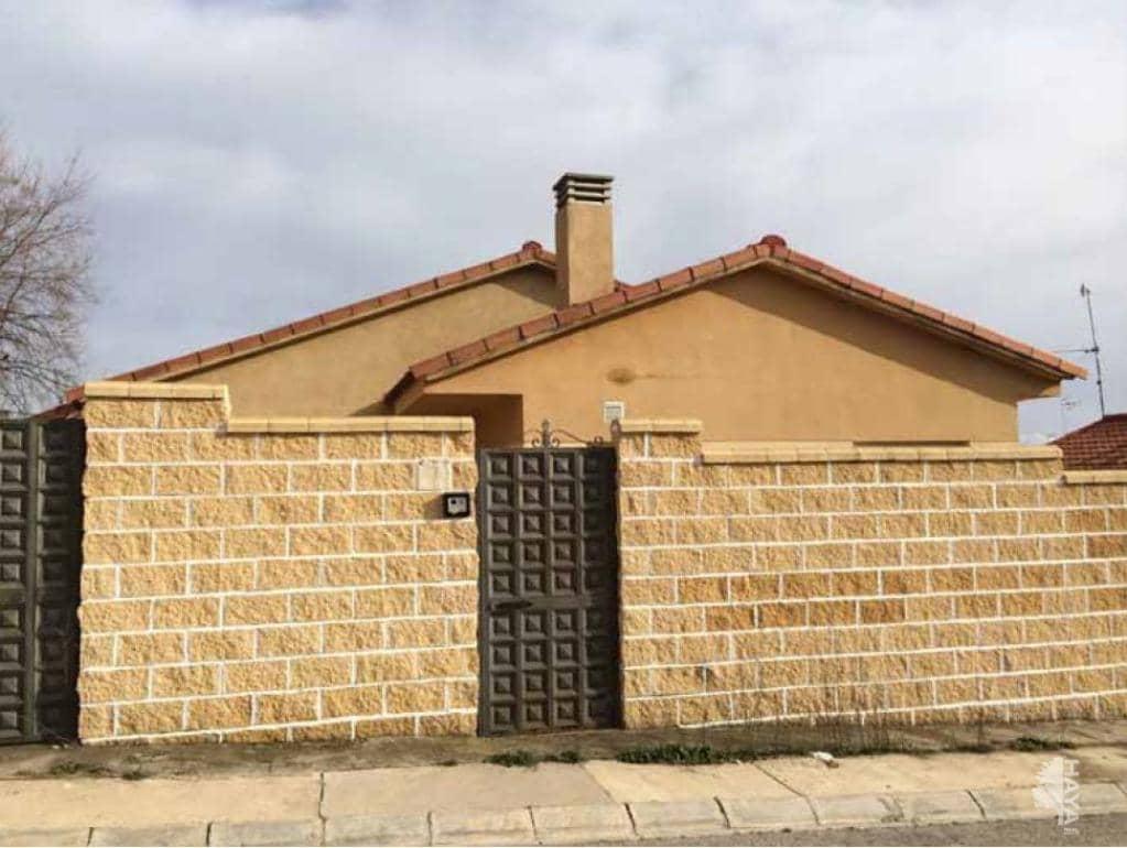 Casa en venta en Urbanización Montejaral, Loranca de Tajuña, Guadalajara, Calle Encinar (del), 84.320 €, 3 habitaciones, 1 baño, 76 m2