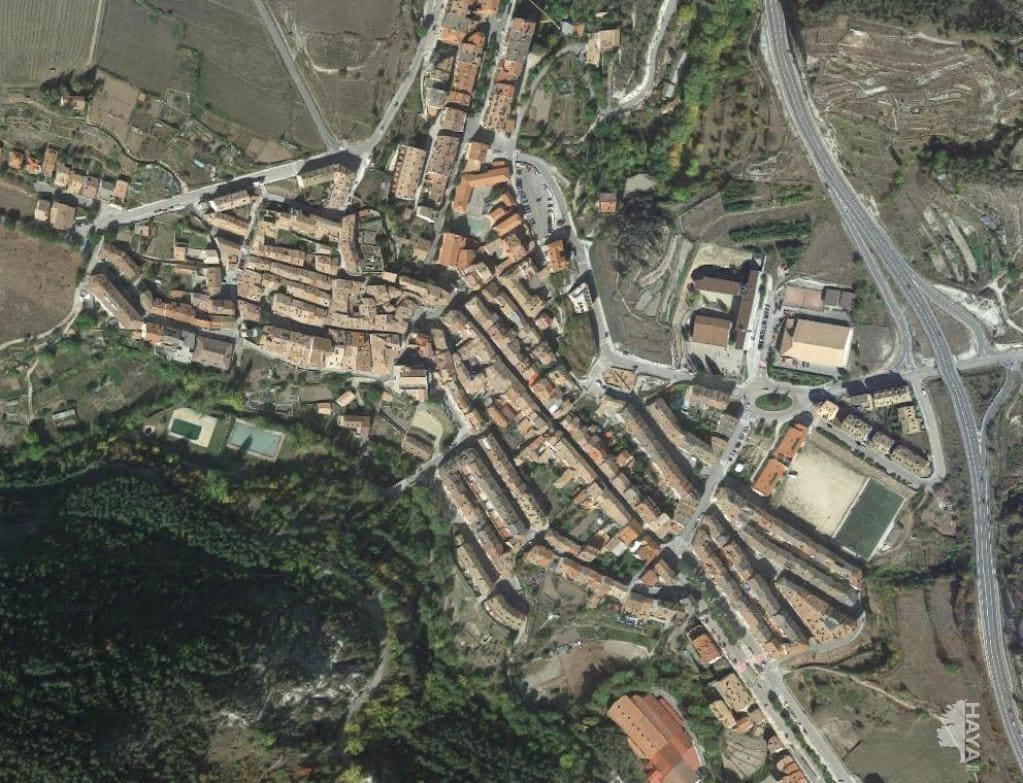 Piso en venta en Bagà, Bagà, Barcelona, Avenida Reina Elisenda, 98.000 €, 3 habitaciones, 1 baño, 78 m2