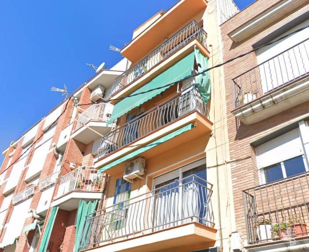 Piso en venta en Sabadell, Barcelona, Calle Esteve Paluzie, 64.000 €, 3 habitaciones, 1 baño, 71 m2