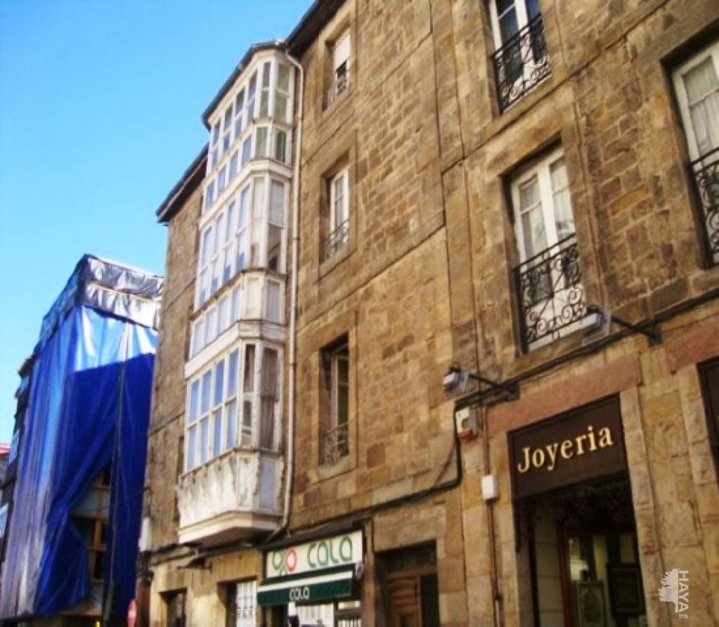 Piso en venta en Urbanización Nuestra Señora de la Nieves, Reinosa, Cantabria, Avenida Puente de Carlos Iii, 63.000 €, 3 habitaciones, 1 baño, 80 m2