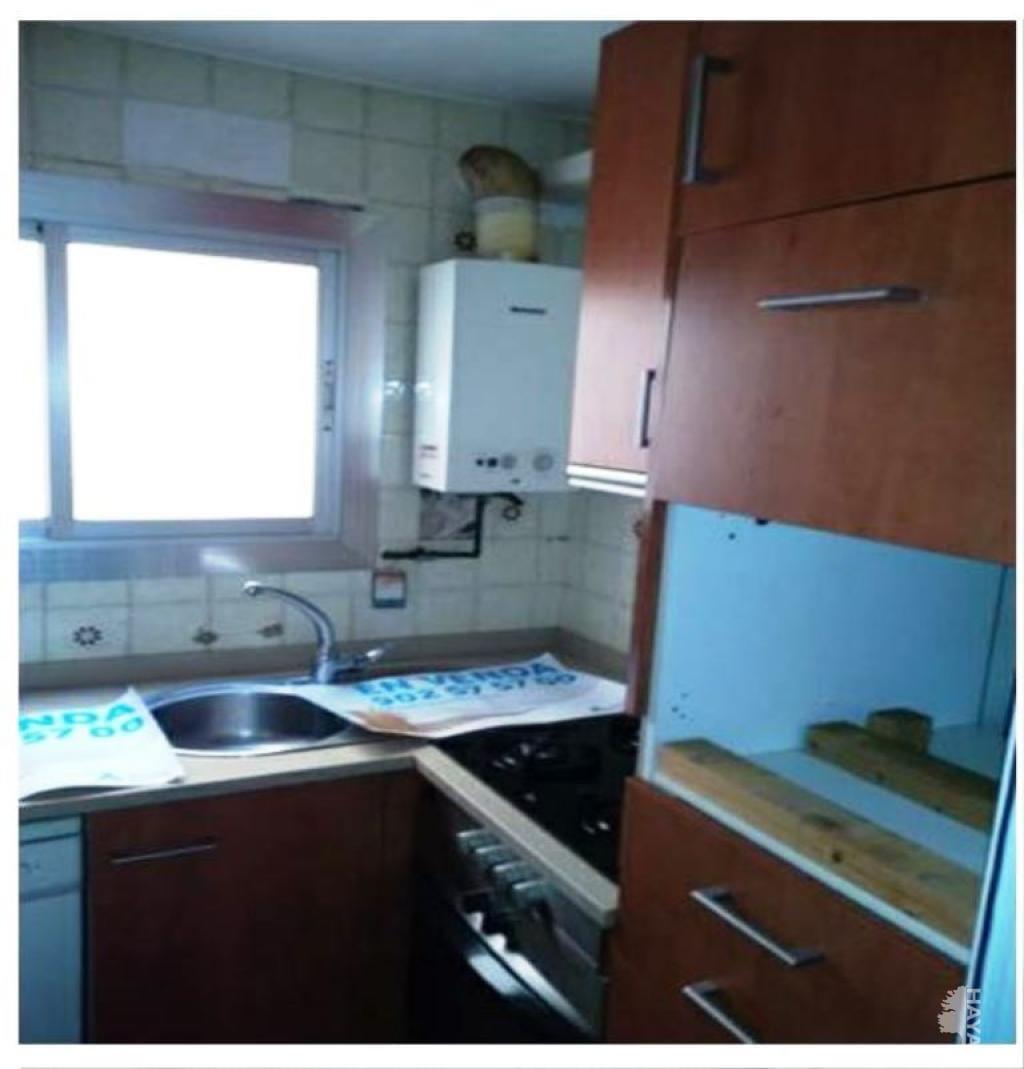 Piso en venta en Santa Eulàlia, L` Hospitalet de Llobregat, Barcelona, Calle General Prim, 96.000 €, 2 habitaciones, 1 baño, 46 m2