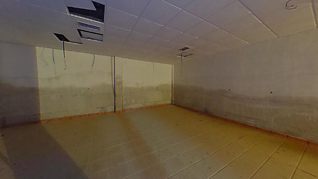 Local en venta en León, León, Calle Maestro Nicolas, 19.000 €, 129 m2