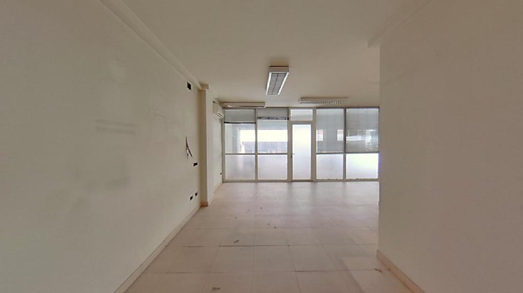 Local en venta en Cappont, Lleida, Lleida, Calle Condes de Urgel, 110.500 €, 558 m2