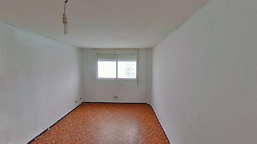 Piso en venta en Piso en Ferrol, A Coruña, 28.500 €, 4 habitaciones, 1 baño, 101 m2