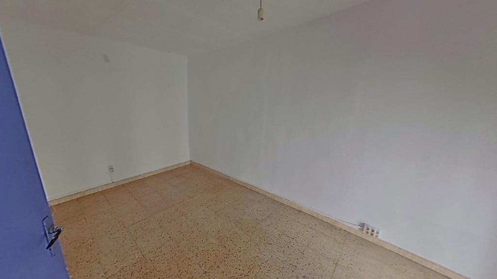 Piso en venta en Piso en Manresa, Barcelona, 33.000 €, 2 habitaciones, 1 baño, 65 m2