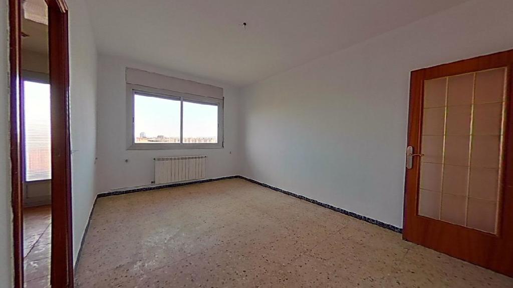 Piso en venta en Sabadell, Barcelona, Calle Salenques, 75.000 €, 3 habitaciones, 1 baño, 75 m2