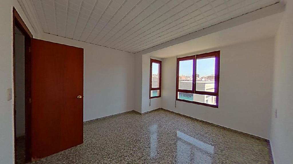 Piso en venta en Vila-real, Castellón, Calle Josep Nebot, 34.500 €, 3 habitaciones, 1 baño, 101 m2
