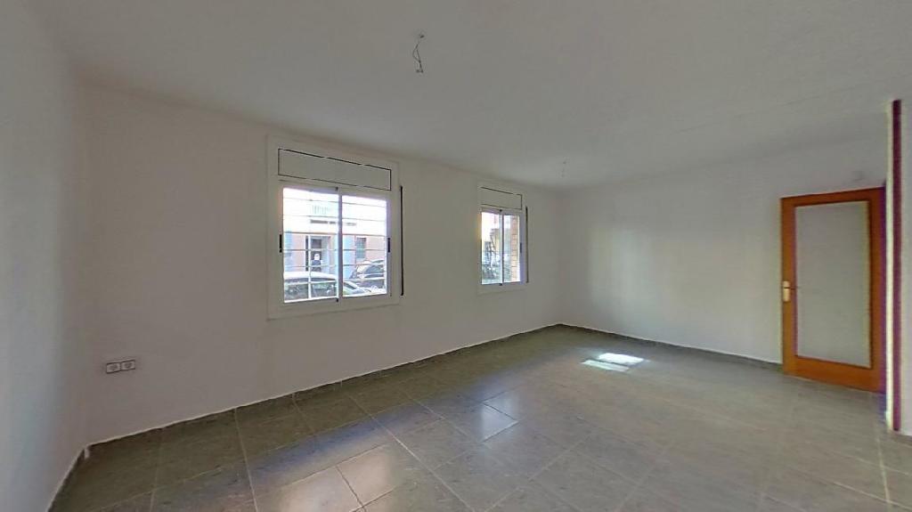 Piso en venta en Terrassa, Barcelona, Calle Mossen Angel Rodamilans, 62.000 €, 2 habitaciones, 1 baño, 69 m2