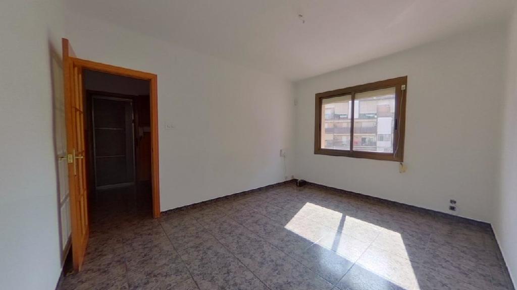 Piso en venta en Rubí, Barcelona, Calle Junceda, 69.000 €, 3 habitaciones, 1 baño, 65 m2