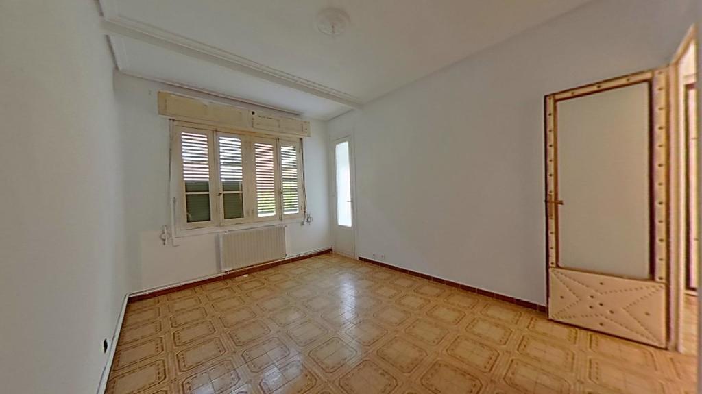 Piso en venta en Logroño, La Rioja, Avenida General Primo Rivera, 62.000 €, 3 habitaciones, 1 baño, 99 m2