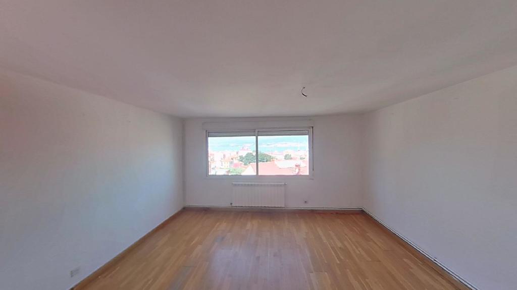 Piso en venta en Vigo, Pontevedra, Travesía de Vigo, 76.000 €, 3 habitaciones, 1 baño, 87 m2
