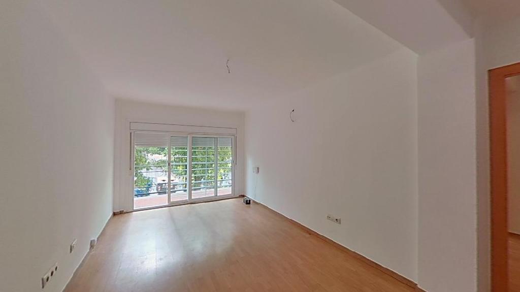Piso en venta en Rubí, Barcelona, Avenida Can Cabanyes, 135.000 €, 3 habitaciones, 1 baño, 67 m2