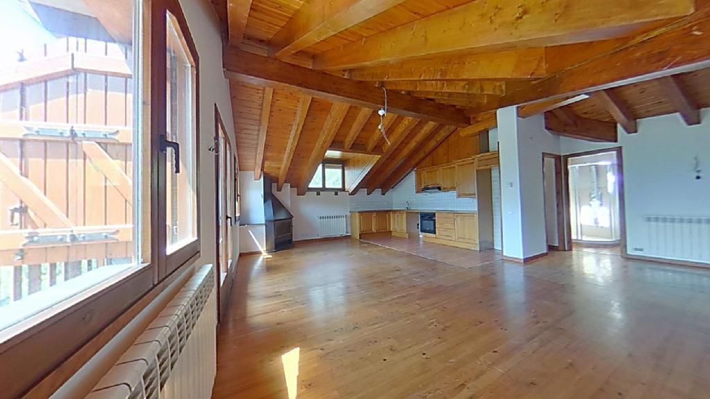 Piso en venta en Vall de Cardós, Lleida, Calle Unica-lladros, 195.000 €, 2 habitaciones, 2 baños, 163 m2