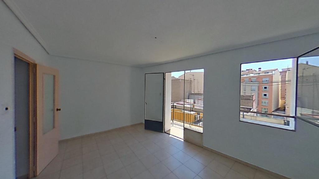 Piso en venta en Castellón de la Plana/castelló de la Plana, Castellón, Calle San Mateo, 30.000 €, 3 habitaciones, 1 baño, 86 m2