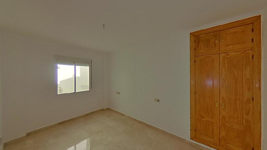 Piso en venta en Cúllar Vega, Granada, Calle Vicente Aleixandre, 74.000 €, 2 habitaciones, 1 baño, 78 m2