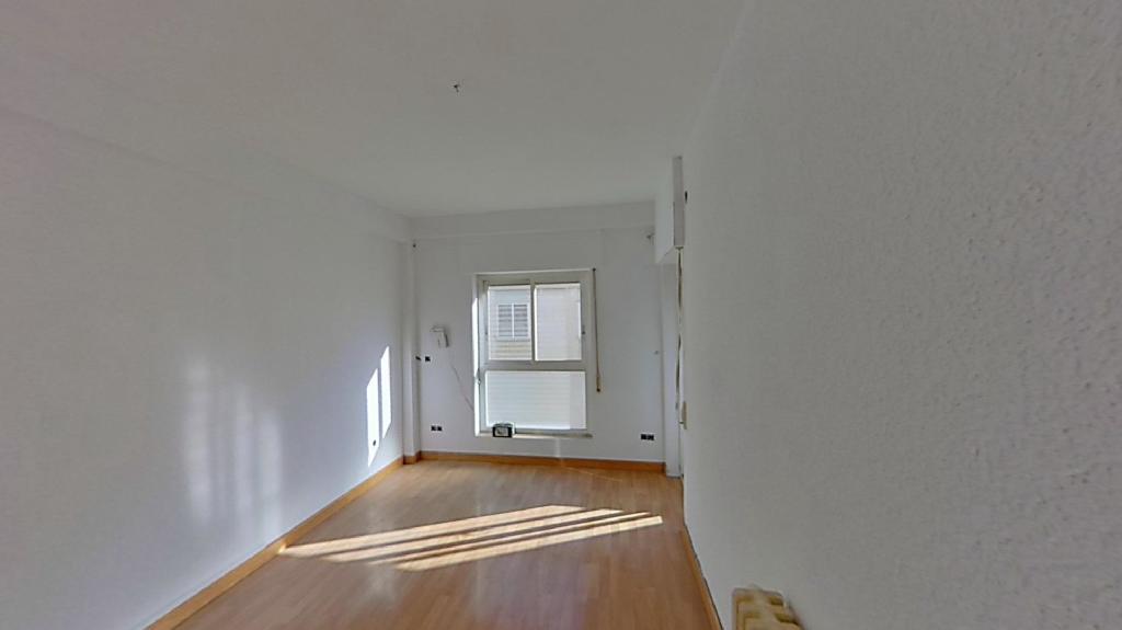 Piso en venta en Barrio de Santo Domingo Y San Martín, Huesca, Huesca, Calle Perena, 67.000 €, 3 habitaciones, 1 baño, 75 m2