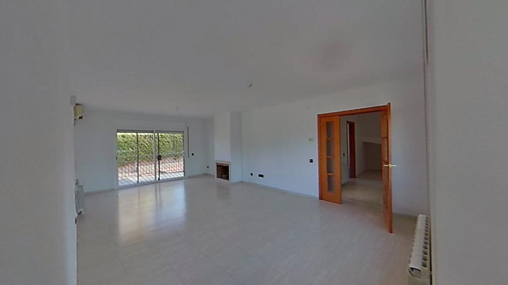 Casa en venta en La Pobla de Montornès, Tarragona, Calle Garraf, 220.000 €, 4 habitaciones, 3 baños, 179 m2