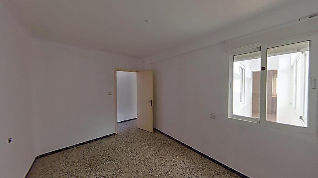 Piso en venta en Murcia, Murcia, Calle Cuartel de Artilleria, 65.000 €, 4 habitaciones, 1 baño, 77 m2