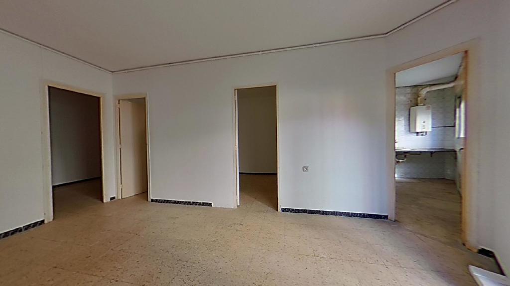 Piso en venta en Badalona, Barcelona, Calle Miquel del Prat, 78.000 €, 1 habitación, 1 baño, 69 m2