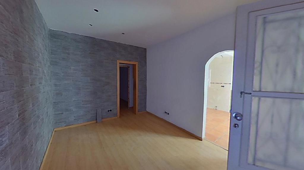 Piso en venta en Barcelona, Barcelona, Calle Artesania, 42.000 €, 1 baño, 64 m2