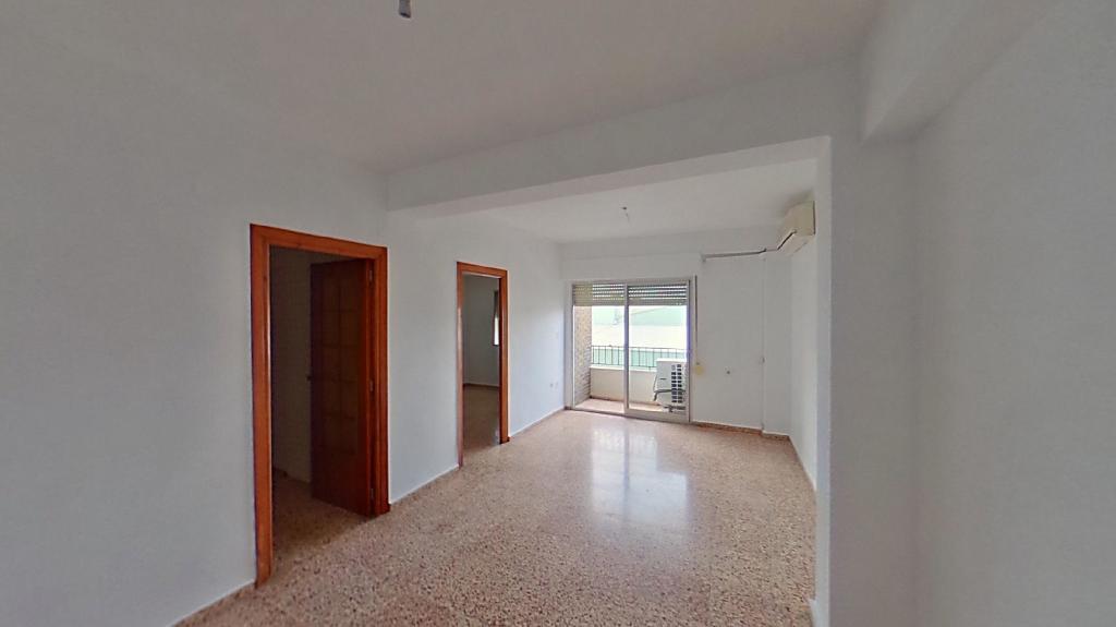 Piso en venta en Oliva, Valencia, Calle Joanot Martorell, 61.000 €, 3 habitaciones, 1 baño, 95 m2